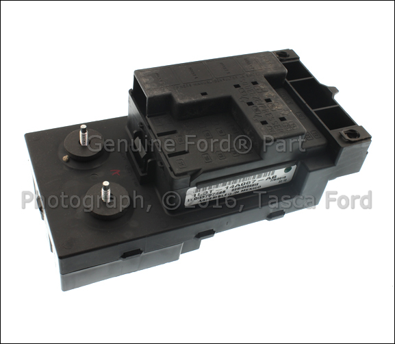 brand new oem fuse junction panel fuse box 2001 2004 ford. Black Bedroom Furniture Sets. Home Design Ideas