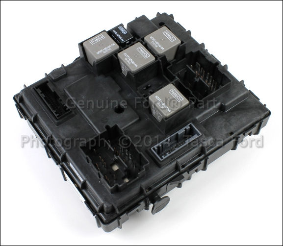 Smart Junction Box Ford Taurus http://www.ebay.com/itm/BRAND-NEW-OEM-SMART-JUNCTION-BOX-2006-FORD-ESCAPE-MERCURY-MARINER-6L8Z-15604-FB-/230848045973