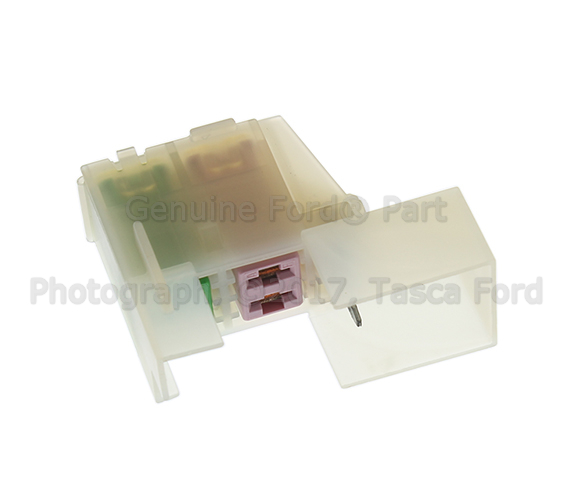 new fuse box fuse holder ford 2013 c max escape 2012 13. Black Bedroom Furniture Sets. Home Design Ideas