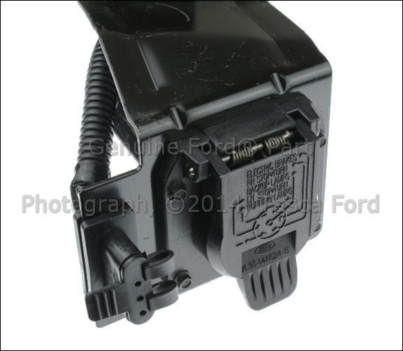 82 1063 T Connector For Fifth Wheel Rv Wiring together with 2013 F 150 Tail Light Wiring Diagram together with 172312352743 additionally autorepairinstructions likewise 2007 Ford F150 Trailer Plug Wiring Diagram. on oem ford trailer wiring harness
